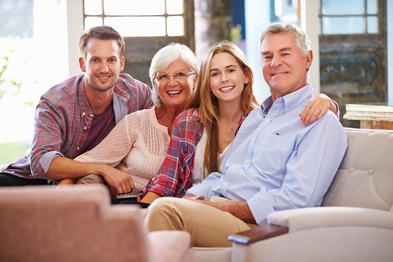 Pais e filhos felizes
